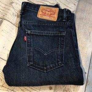 Men's/ teen Levi's 28/30 like new 513 jeans